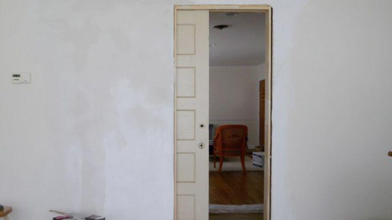 hacer una pared de pladur con puerta corredera
