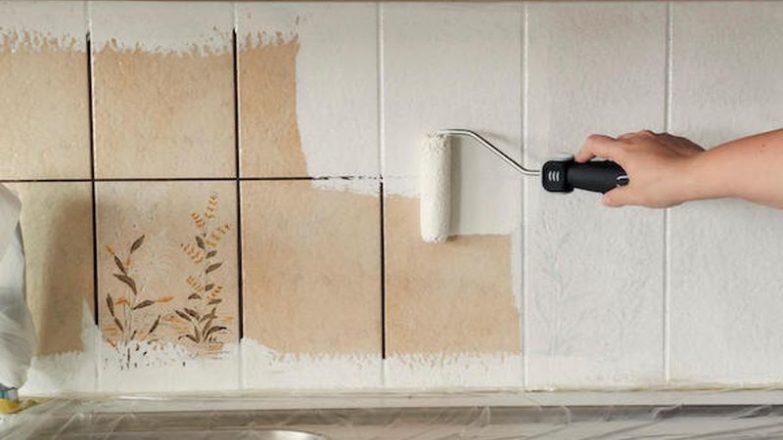 pintar los azulejos del cuarto de baño