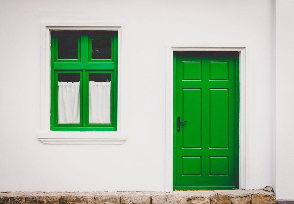 puerta de madera para exterior